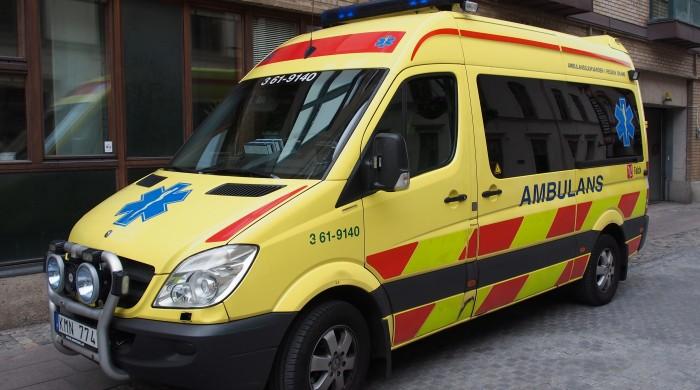 Sjukhusläkarens genomgång av det 30-tal avvikelser som inkom från ambulansverksamheten i Skåne i somras visar att patientens utgång har bedömts som direkt avhängig den längre transporttiden vid minst ett tillfälle.  Foto: Alf van Beem, Wikimedia Commons