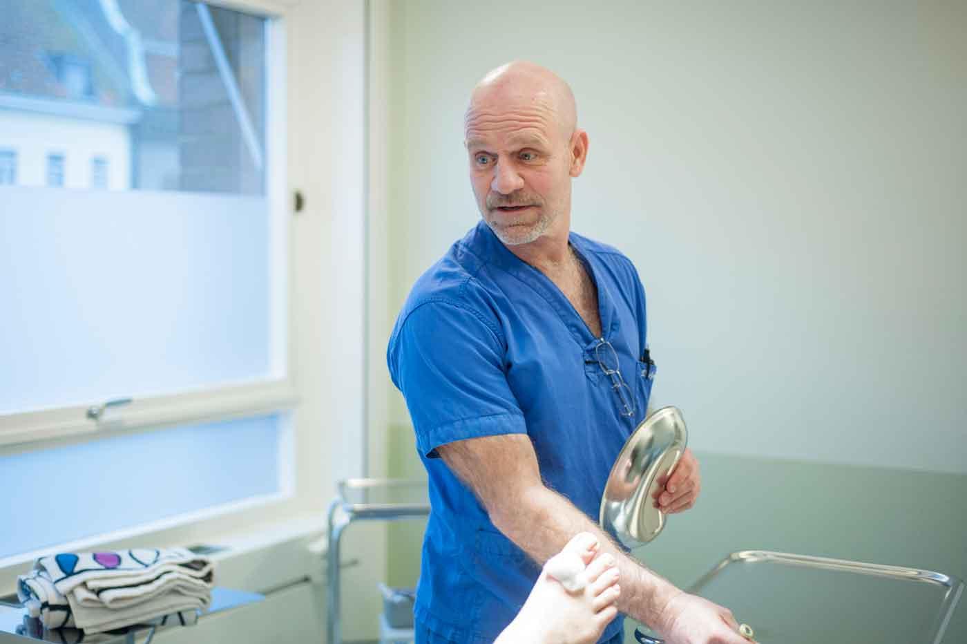 vad gör man hos en ortoped