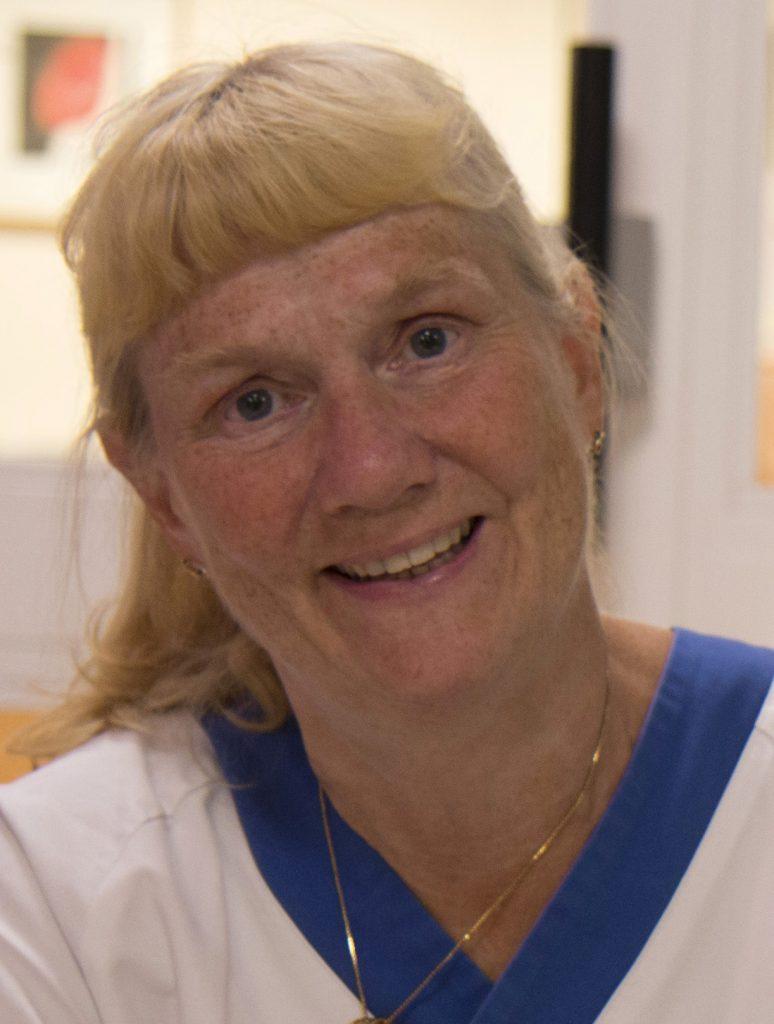 Ann Edner menar att de trachade barnen mer eller mindre göms undan idag på vanliga vårdavdelningar om de inte behöver intensivvård.
