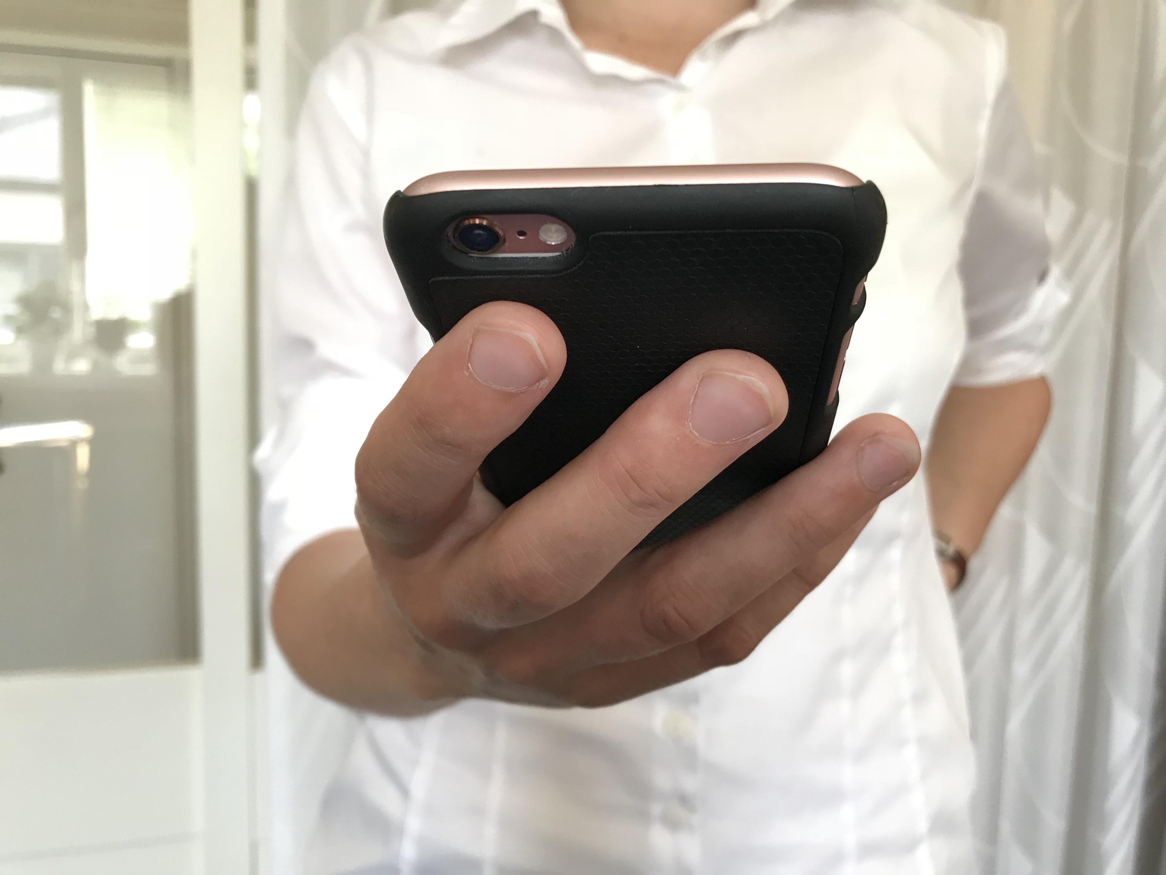 Svenska mobiler svarast att saga upp